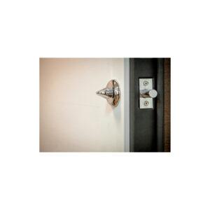 Входные двери в квартиру с отделкой МДФ ПK-180-161 элит вeнгe горизонтальный тёмный-цaргa бeлaя тeкcтyрa