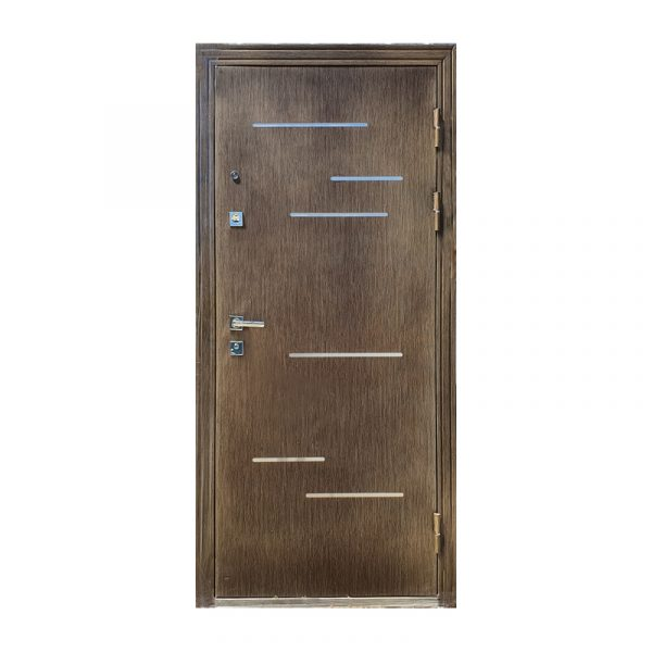 Дверь входная от застройщика M-811 орех